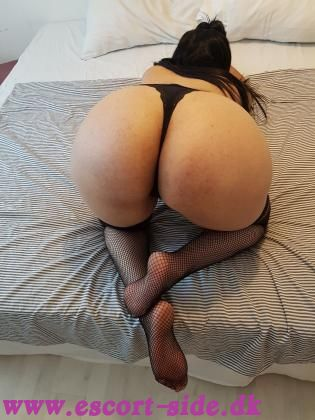 Eve SEX WITHOUT CONDOM CUM IN PUSSY new party girl in copenhagen accept cash&mobilepay